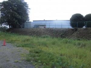 草津市の工場様より、草刈りのご依頼をいただきました。