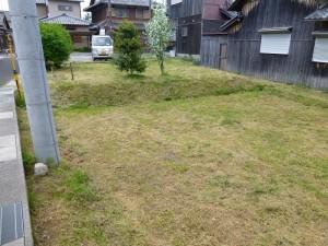 栗東市のお客様より、除草作業のご依頼をいただきました。