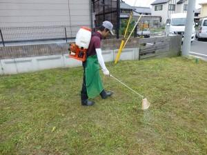 栗東市のお客様より、草刈りのご依頼をいただきました。