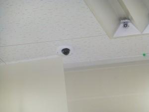 スーパーのテナント様より監視カメラ設置のご依頼をいただきました。