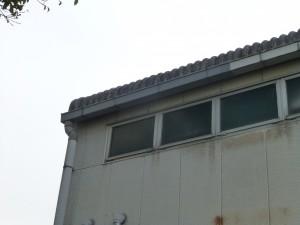 倉庫の雨樋の修理のご依頼をいただきました