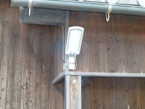 防犯灯の取り換えのご依頼をいただきました。