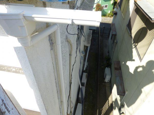 雨樋修理のご依頼をいただきました。