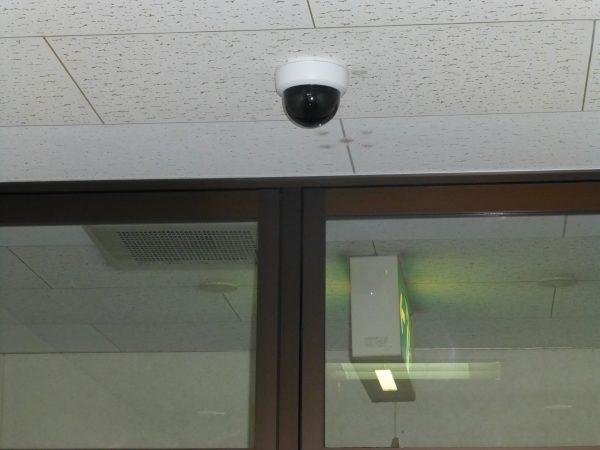 監視カメラの取り換えのご依頼をいただきました。