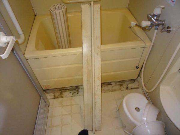 洗面台交換のご依頼をいただきました。