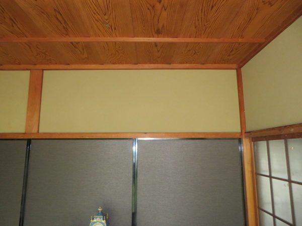 壁の塗り替えのご用命をいただきました。