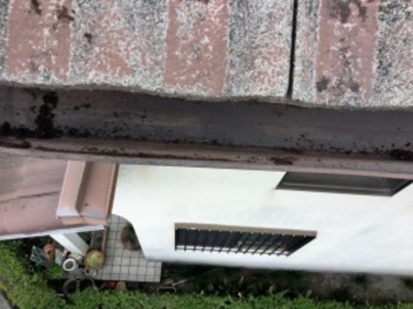 竜王町のお客様より、雨どい清掃のご依頼をいただきました。
