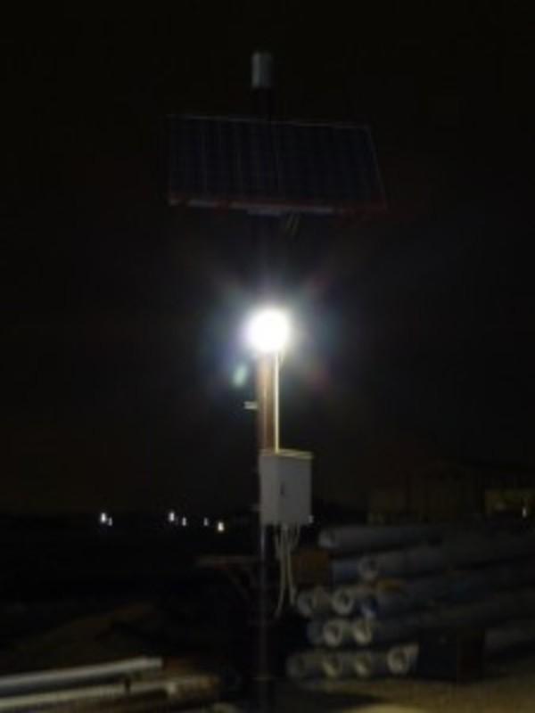 自作ソーラ発電システム完成です。