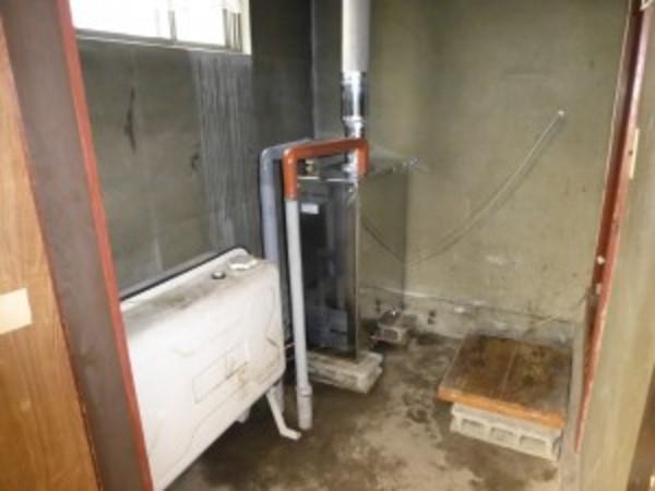 石油給湯器の交換のご依頼をいただきました。
