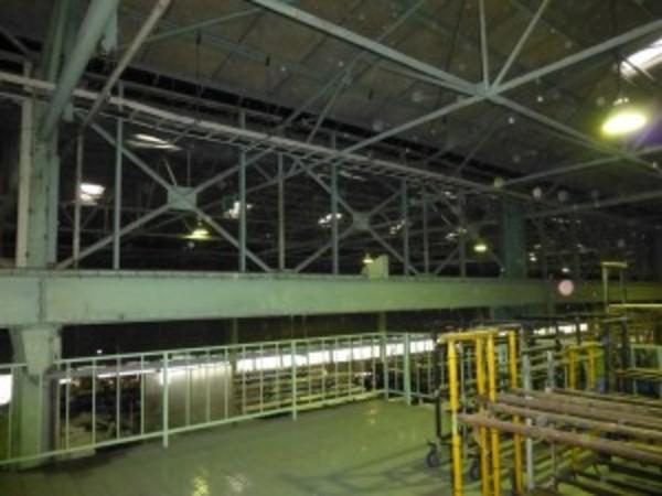 工場内の防塵シート撤去のご依頼をいただきました。