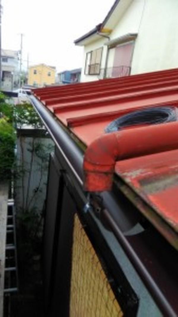 近江八幡市のお客様より雨樋の架け替えのご依頼をいただきました。