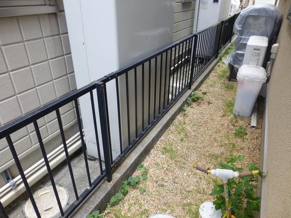 フェンス修理のご依頼をいただきました。