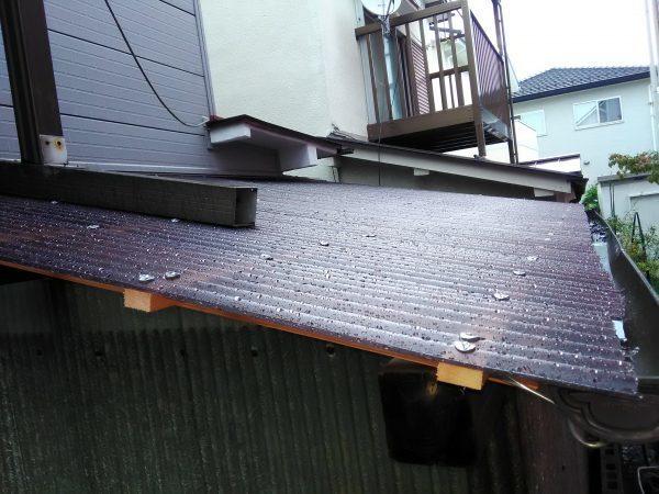 波板の張替 雨樋の修理のご依頼をいただきました。