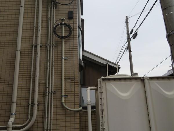 通信ケーブルの配管工事をさせていただきました。