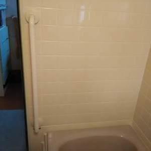 浴室に手摺の取付をさせていただきました。