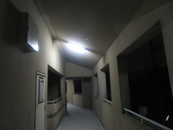 市営住宅の通路照明の交換のご依頼をいただきました