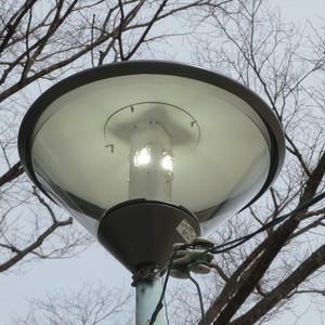 公園灯の取替をさせていただきました。